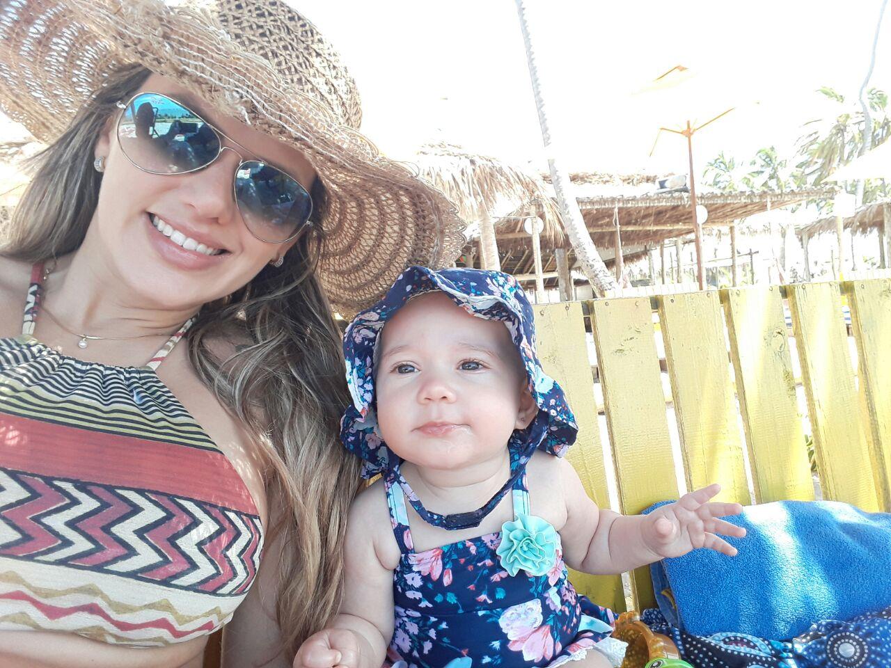 Ana Paula Araújo, mom of the 6-month old Alice